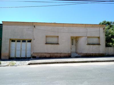 Casa 5 Ambientes Y 1 Garage, Jardin