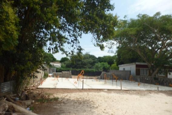 Terreno En Salinas Sur .prox A Escuela,platea Para 2 Casas