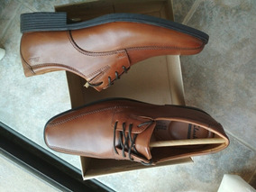 Zapatos Clarks. Talle 9