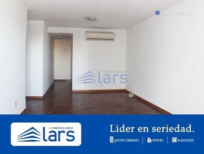 Apartamento En Alquiler / Punta Carretas - Inmobiliaria Lar