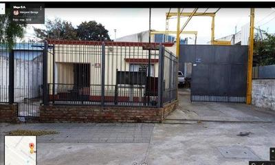 Casa Con Local Industrial De 200 Mt Cuadrados.
