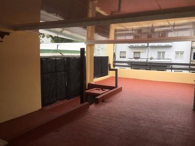 Dueño (099112635), Casa De 3 D., Admite Banco. (us$ 214000)