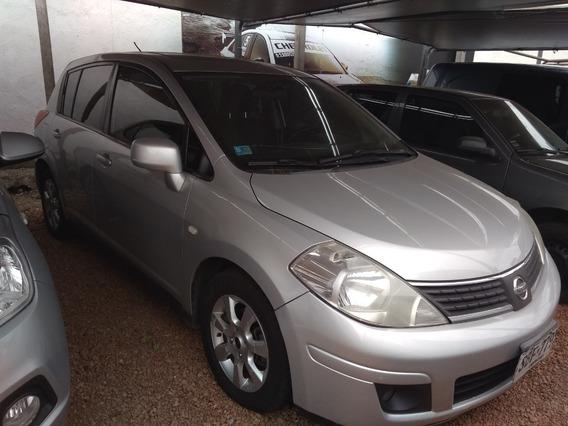 Nissan Tiida 1.8 Automático
