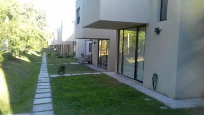 Casa De 2 Dormitorios En Complejo Vitta Solymar