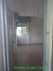 Apartamento 1 Dormitorio, 2º Piso Por Escalera