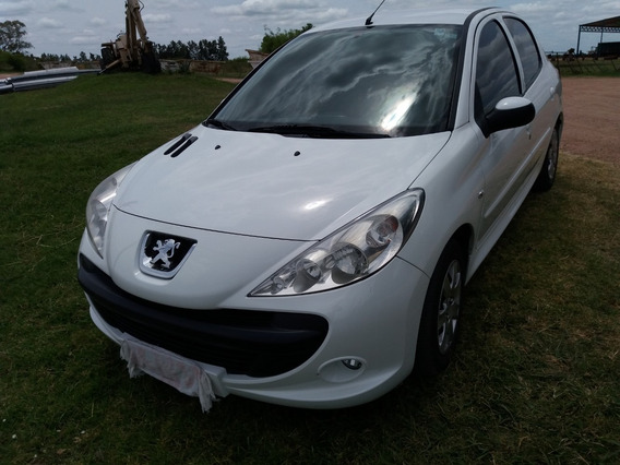 Peugeot 207 Compact Impecable Estado