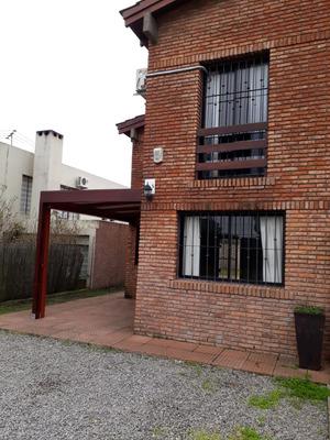 Casa De 3 Dormitorios En Parque Miramar