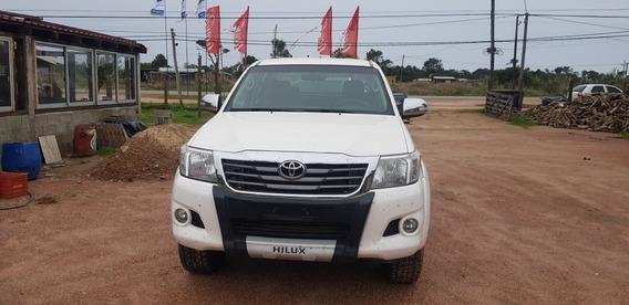 Toyota Hilux 2.5 Cs Dx Tdi 120cv 4x4 2013