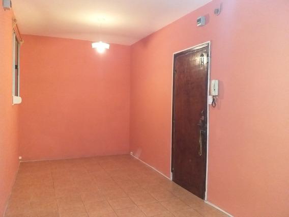 Apartamento Dos Dormitorios Zona Centro.
