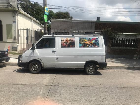 Traficc 2002 Con Deuda Perfecto Estado, Motor Y Caja Nuevos