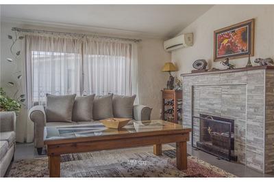 Se Vende Casa De 4 Dormitorios En Shangrilá