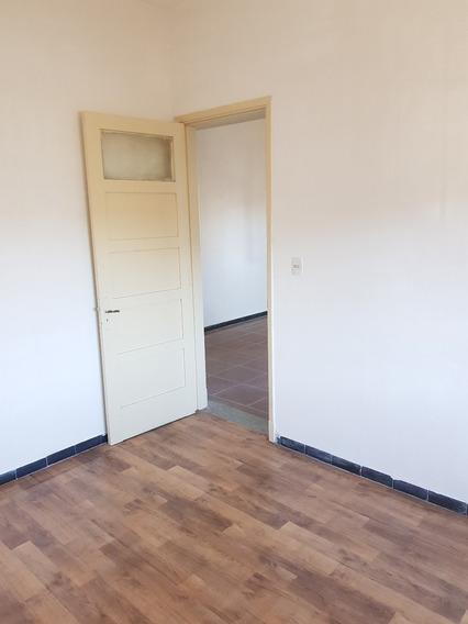 Casa De 2 Dormitorios Entrada Para Auto Patio Cocina Baño