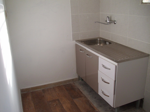 Apartamento Un Dormitorio Baño Cocina Fondo