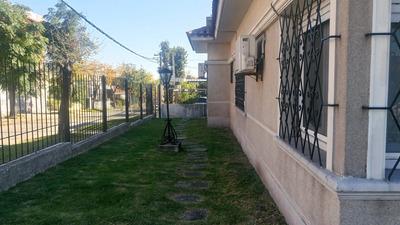 A 4 Cuadras Del Parque, Zona L A De Herrera Y Anador