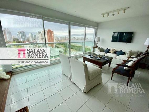 Venta Departamento En Playa Mansa, Punta Del Este, 2 Dormitorios, Suite Garaje