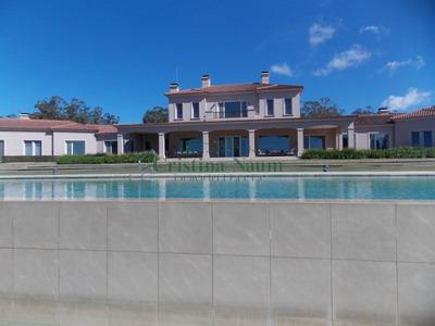Exclusiva Chacra Estilo Villa Toscana A 2.000 Metros Del Mar . - Ref: 19056