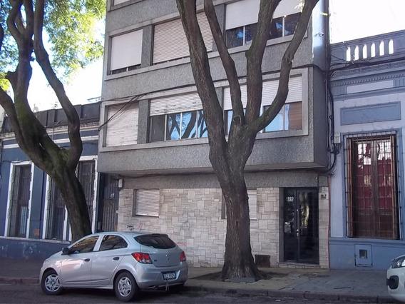 Alquiler De Apartamento 1 Dormitorio En Cordon Calle Charrua