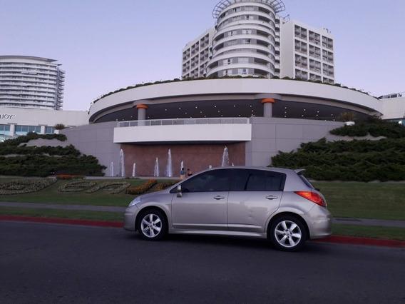 Vendo Nissan Tiida Hatch 2010 Full