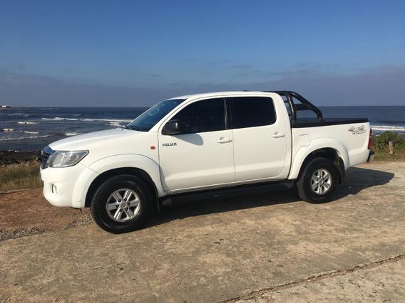 Toyota Hilux 2.7 Srv Vvti 4x4