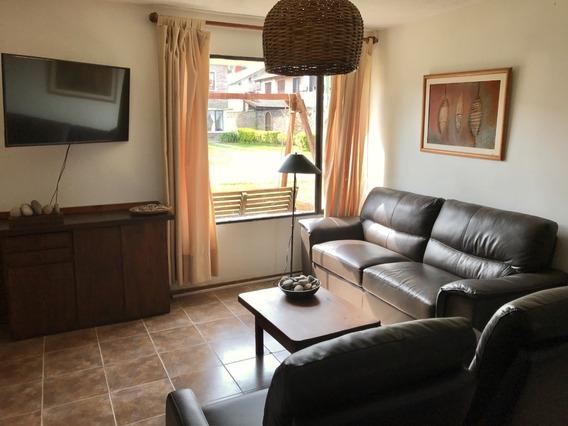 Duplex De Tres Dormitorios, Jardín Y Fondo Con Parrillero