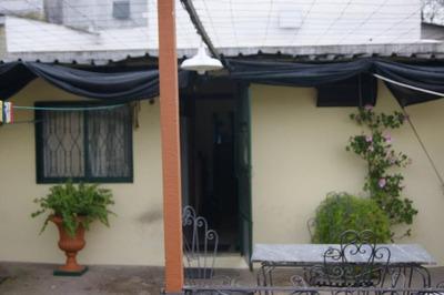 2 Casas En Pu. Próximo A Bvar. Batlle Y Ordoñez Y Av. Sayago