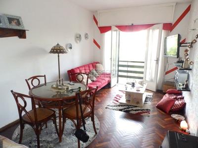 Alquila - Apartamento De 2 Dormitorios Con Balcón