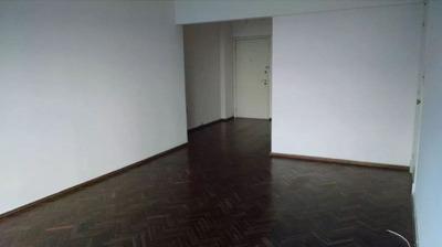 Apartamento En Alquiler De 2 Dormitorios En Tres Cruces