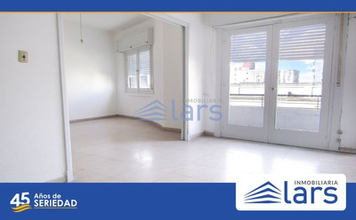 Apartamento En Venta / Cordón - Inmobiliaria Lar