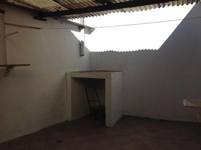 Casa 3 Ambientes Con Cochera Y Parrillero - Solo Contaduría