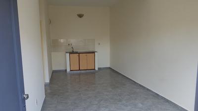 Alquiler De Apartamento De 2 Dormitorios En Ituzaingó.