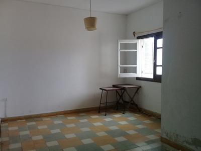 Por Escalera, 3 Dorm En Arenal Gde Y Garibaldi