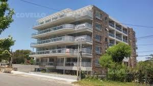 Departamento, Edificio A Metros De Rambla, Piscina, Parrillero.