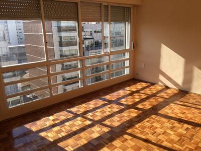Alquiler - Apartamento - Pocitos - 3 Dormitorios