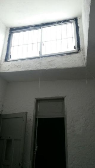 Espinillo Y Blvar Artigas Interior Un Dormitorio