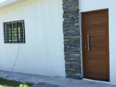 Alquilo Casa 1 Dormitorio, Amplio Living Comedor A Estrenar