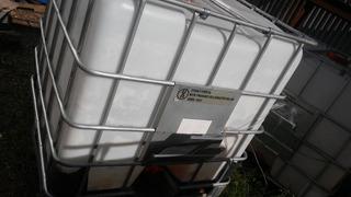 Tanques De Plástico Para 1000 Ltr Con Estructura Metálica