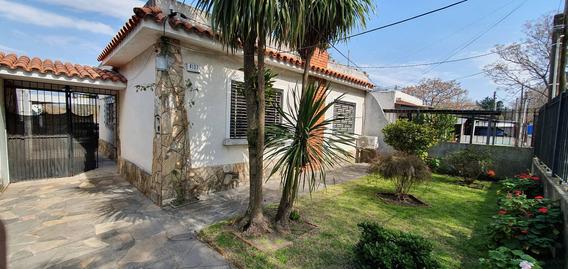 Casa Muy Amplia - Aires Puros - 3 Dormitorios