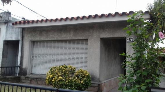 Casa 1 Dom Sobre Avenida S/gastos Con Jardin Al Frte Y Patio