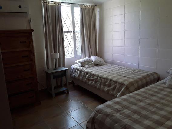 Vendo Casa En Balneario Santa Ana (a 22 Kms. De Colonia).