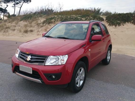 Suzuki Grand Vitara 2.4; 4x4; 3 Puertas: Roja