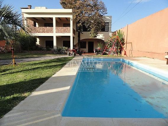Excelente Casa De Estilo, 6 Dorm, 4 Baños, Piscina, Jacuzzi