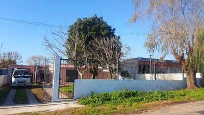 Casa En Venta De 1 Dormitorio En Paso De La Arena