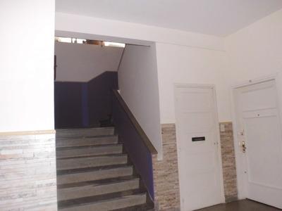3º Por Escalera, Con Terraza Frente A Rambla, Amplio, Lumino