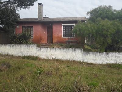 Casa En Pinamar Sur Sobre Calle Asfaltada A Metros De Avda