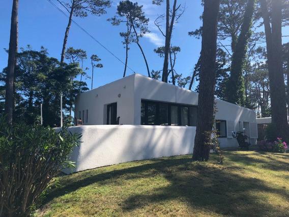 Alquilo De Forma Anual Hermosa Casa En Zona Tranquila