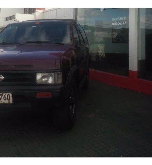 Vendo Camioneta 1993 Pathfinder Nafta