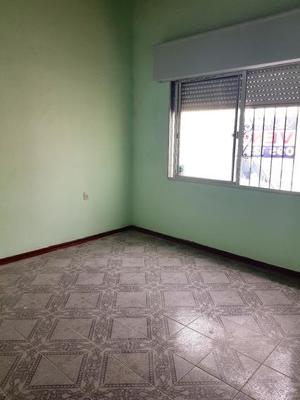 Casa De 4 Dormitorios Cocina Baño Estar Patio Parrillero