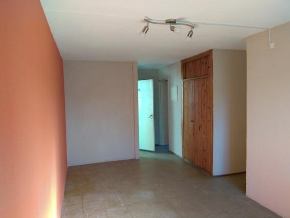 Apartamento 3 Dormitorios Alquiler $ 13500 Colón
