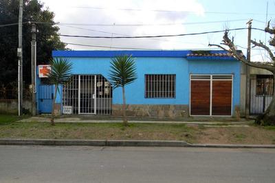 Venta Casa Las Piedras Tres Dormitorios A 5 Cuadras Centro
