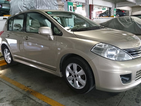 Nissan Tiida Hatchback Premium Automático 2011